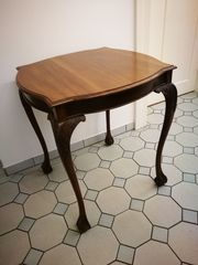 Antiker Tisch ein außergewöhnliches Einzelstück