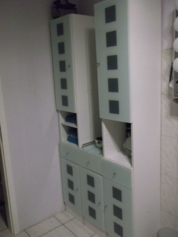 Badezimmerschrank 3 Teilig wegen Umzug