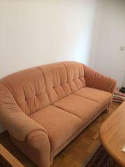 Zwei Sofa mit