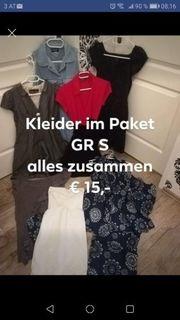 Kleider im Paket GR S