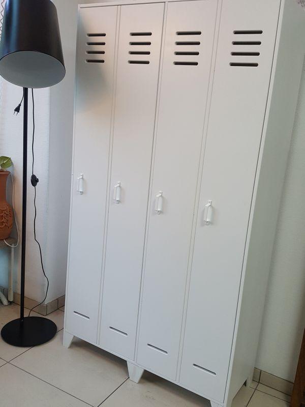 Kleiderschrank Beverly Garderobe Schranke Kommoden Regale In Berlin