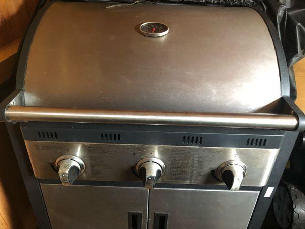 Aldi Gasgrill Welche Gasflasche : Grillen mit gas vor und nachteile eines gasgrills das grillt