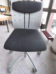 pfiffiger Büro-Rollstuhl -