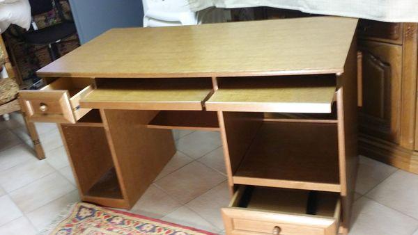 Echter Eichenholz-Schreibtisch - preiswert und ein