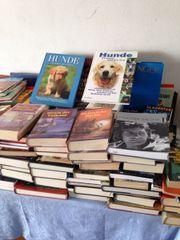 Ca 350 Bücher