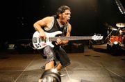 Dreiköpfige Band sucht talentierten Bassisten