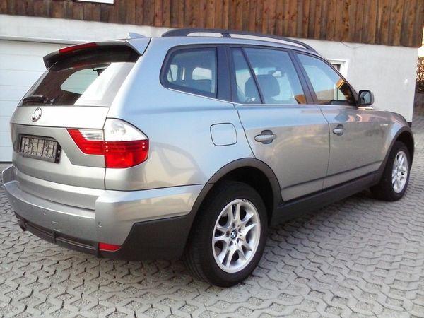 BMW X3 3. 0d X-Drive - Mönchengladbach Waldhausen - BMW, X3, SUV/Geländewagen, Diesel, 160 kW, 170000 km, EZ 02/2007, Schaltgetriebe, Silber. Zum Verkauf steht ein X3 3.0d X-Drive E83. Farbe ist silbergrau metallic.Sonderausstattung hat er abnehmbarer Anhängerkupplung, Xenon - Mönchengladbach Waldhausen
