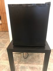 Neuwertige Minibar zu verkaufen
