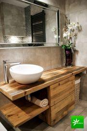 Badschrank aus Altholz