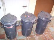 Drei Mülltonnen (je
