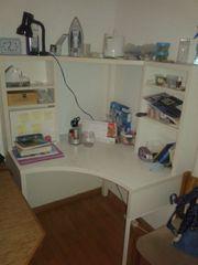 Weisser Schreibtisch