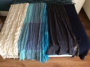 Schals in verschiedenen