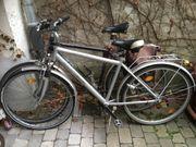 2 Fahrräder (reparaturbedürftig)