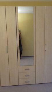Kleiderschrank von Möbel-Kraft 3türig