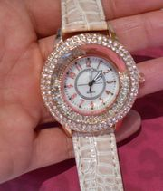 Damen Armbanduhr mit Strass nagelneu