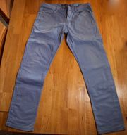 Blaue Jeans von Angelo Litricio