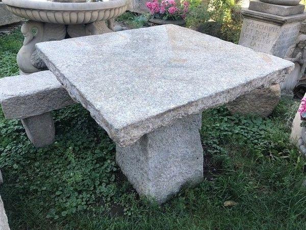 Antiker Tisch Und Zwei Bänke Aus Grauem Granit In Jawor
