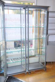 Glasvitrinen Vitrinen aus Glas