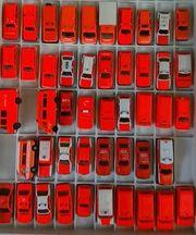 Konvolut Feuerwehr Fahrzeuge Tagesleuchtfarbe 1