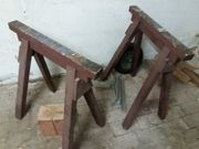 Holzböcke und Hackklötze