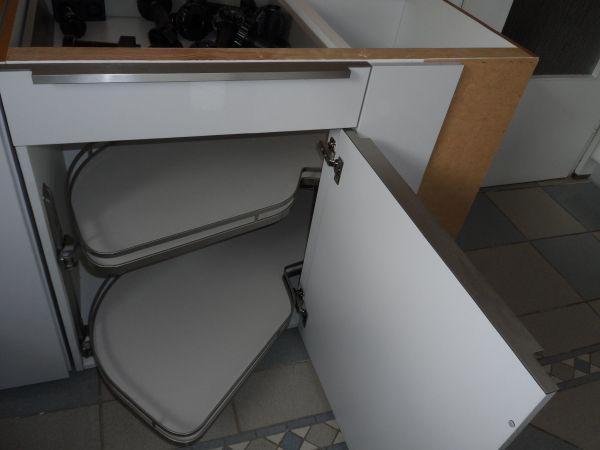 le mans eckschrank schwenkauszug 60cm 39 neu 39 hochwertig in zwingenberg k chenzeilen. Black Bedroom Furniture Sets. Home Design Ideas