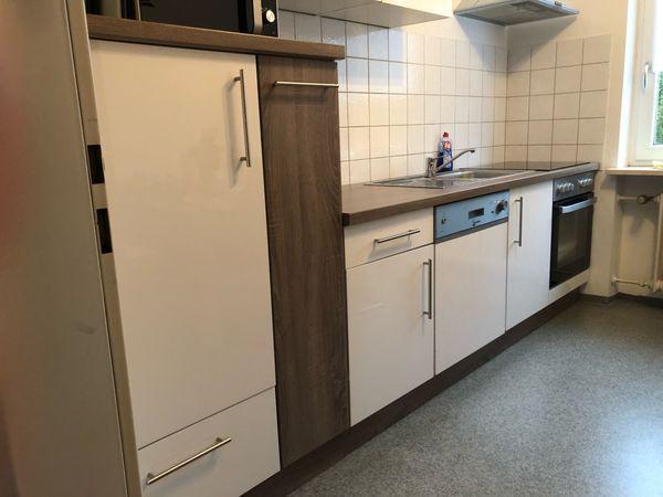 Küche weiß Hochglanz, Trüffel-matt 1 Jahr inkl. Geräte in Günzburg ...