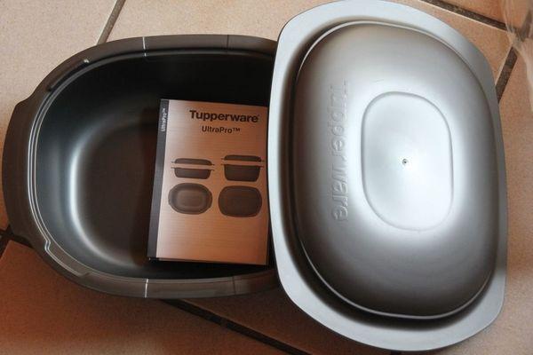 Tupper Ultra Pro Kasserolle 2, 0 l oval neu und unbenutzt - Herxheim - Der zeit- und energiesparende Tupperware Römertopf - neu und unbenutzt.Neupreis 84 Euro. - Herxheim