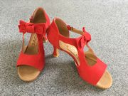 rote Velourleder Tanzschuhe