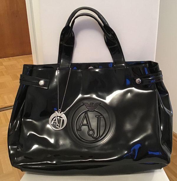 Armani Jeans Tasche schwarz, lackiert in München - Taschen, Koffer ... 31a1c141a4