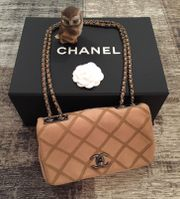 CHANEL Bag Wildleder Beige NEU