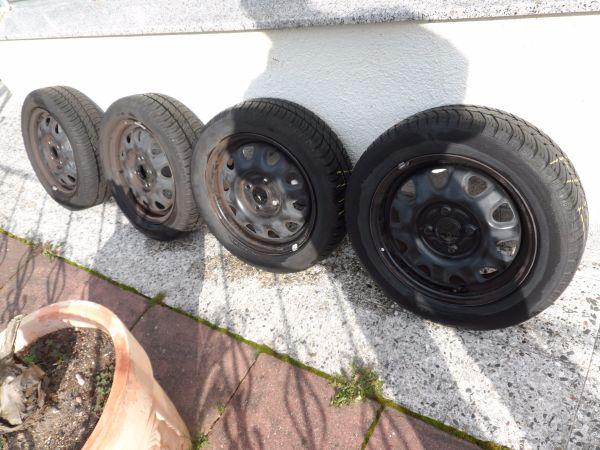 4 x Sommerreifen 155/65/ R 14 - Zwingenberg - 4 x Sommerreifen auf Stahlfelgen 155/65 R 14 Für Opel AGILA oder Anderes Auto, abzugeben.Die Reifen und Felgen sind im sehr guten zustand, fast NeuTel. Nr. 01728003171 - Zwingenberg