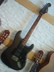 Fender Squier Std Strat HSS