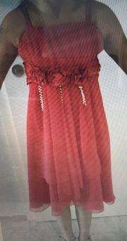 Kleidchen für Prinzessinnen in rot