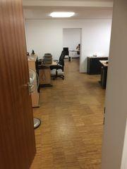 netter, heller Büroraum