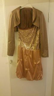 goldenes Pailiettenkleid