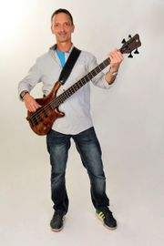Bassist, Sänger sucht