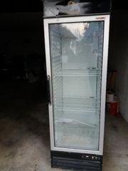 Getränkekühlschrank mit Umluftfunktion