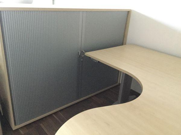 Massivholz Schreibtisch, Rollcontainer und Aktenschrank in Lorsch ...