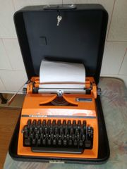 Alte mechanische Schreibmaschine