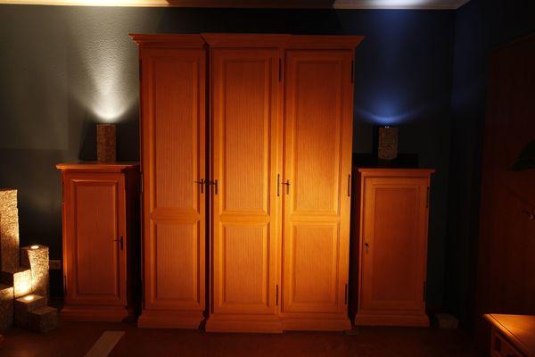 Schlafzimmer, Pinie massiv, gebürstet in Kappelrodeck - Schränke ...