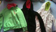 Verschiedene Kleidungsstücke Damen