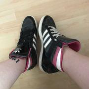 Adidas Schuhe; 38