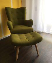 Skandinavischer Sessel mit Hocker - Neuzustand