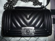 CHANEL Chevron Boy Bag Tasche