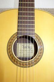 Hochwertige Konzertgitarre von Valdez- Modell