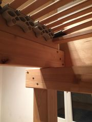 Stabiles Hochbett aus Konstruktionsholz