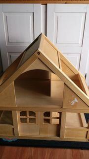 Holzhaus Puppenhaus auf 2 Etagen