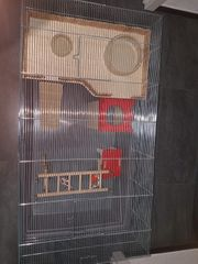 Hamsterkäfig mit Einrichtung