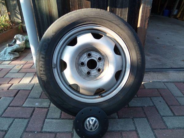 Reifen mit Felgen für VW-Bus - Hagenbüchach - Mit diesen Reifen war mein VW-Bus Multivan Startline ausgerüstet. Sie haben 17 und Stahlfelgen. Die Profiltiefe liegt zwischen 2 und 4 Millimeter. Also eine Saison dürften Sie auf jeden Fall noch passen. Beschädigungen gibt es keine.Die - Hagenbüchach