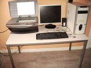 Schreibtisch mit All